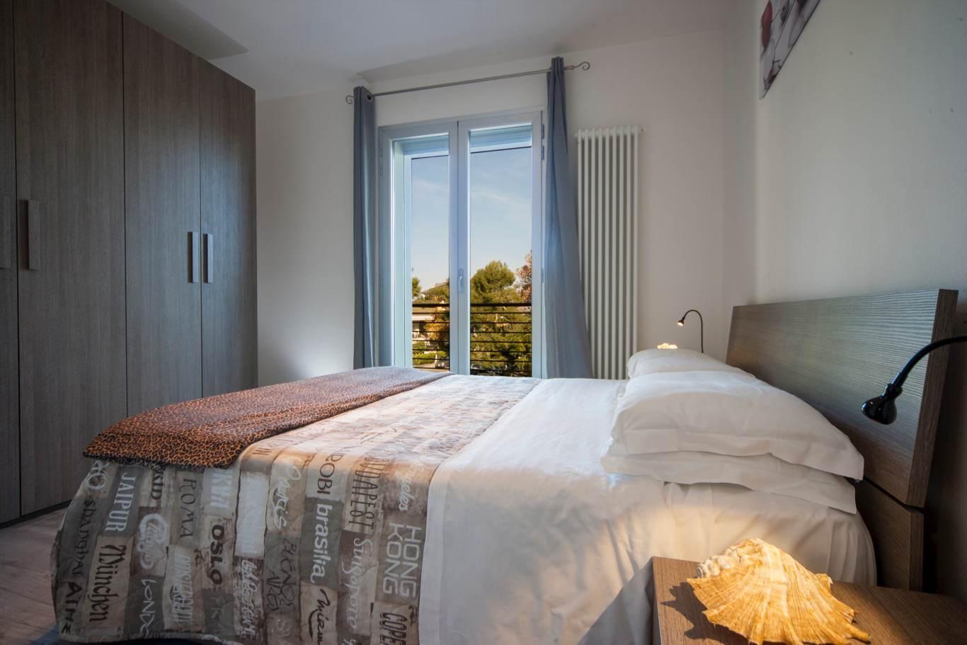 Appartamenti riccione vicino al mare e viale ceccarini for Appartamenti barcellona vicino al mare